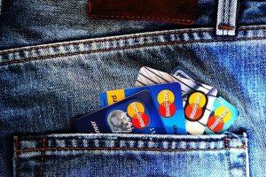 海外旅行で役立ったおすすめクレジットカード4枚を、世界30カ国以上旅した僕が解説